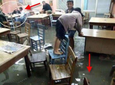 Kahvehane Su Basıyor, Her kez Okey Oynamaya Devam ediyor